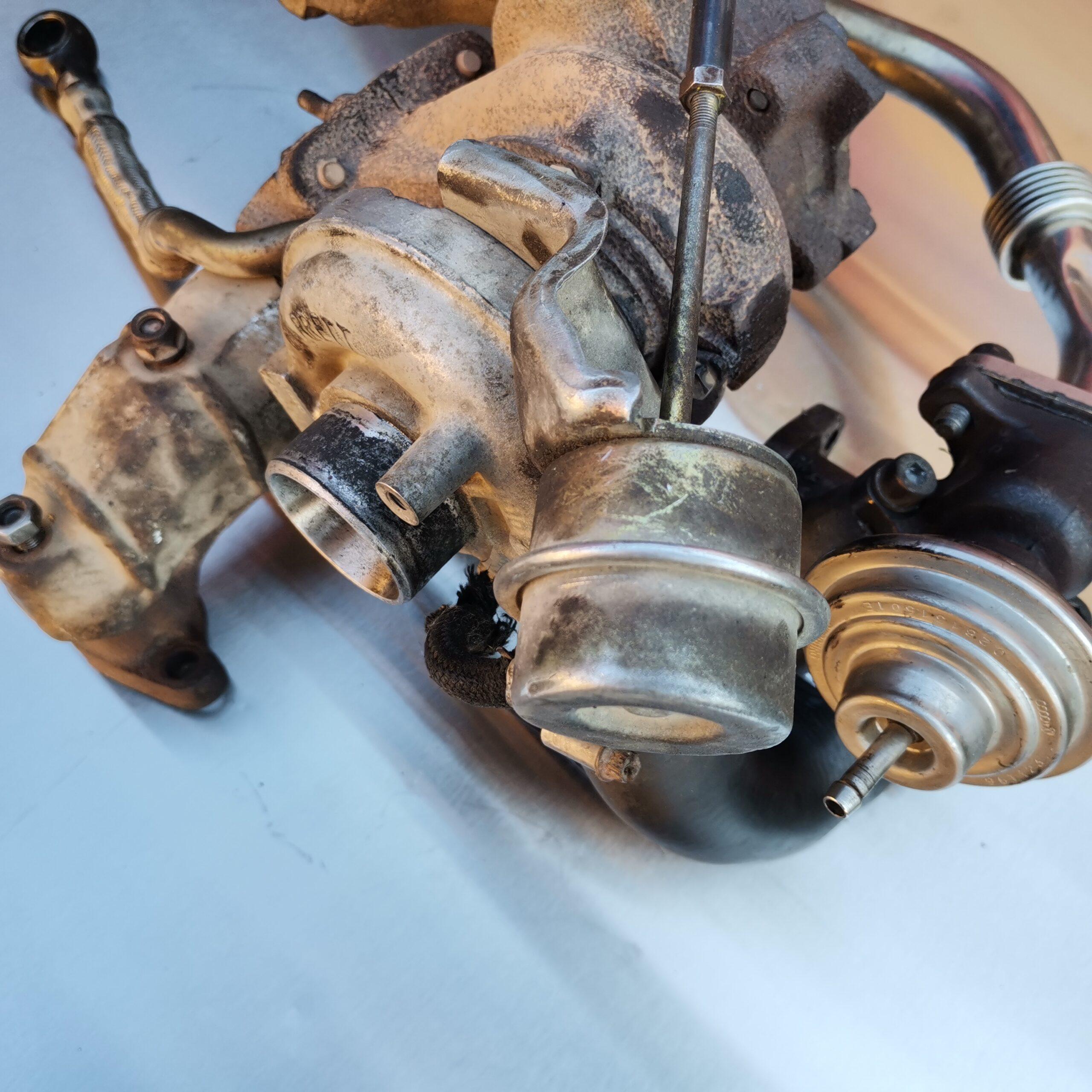 Фото турбокомпрессора Volkswagen Transporter до ремонта