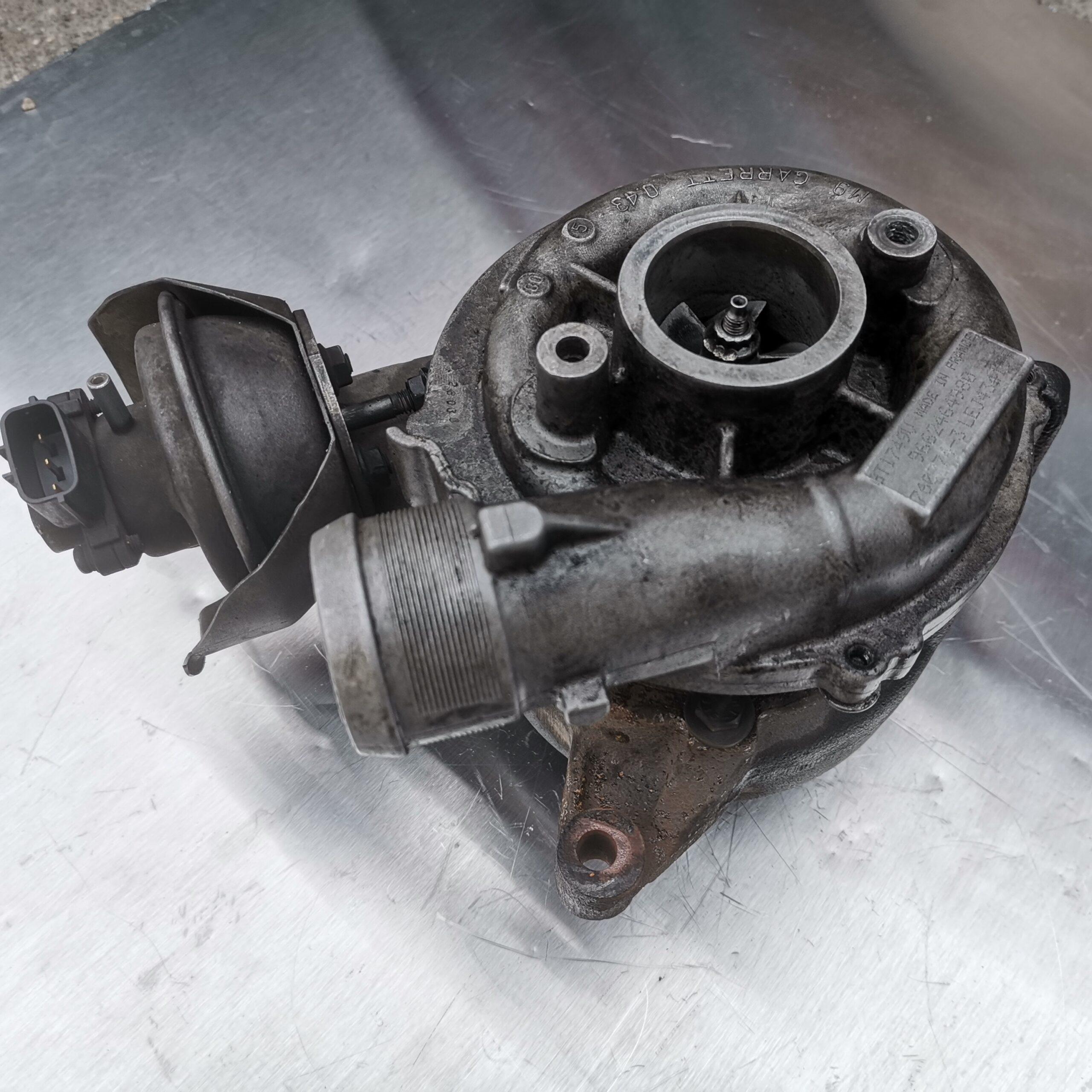 Турбина Ford Mondeo 2.0 tdci перед реставрацией