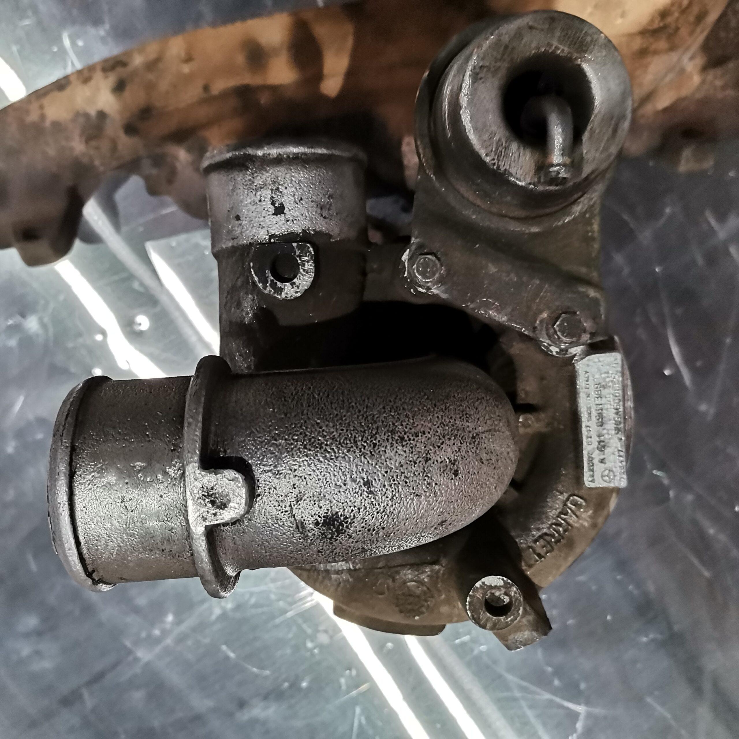 Сломанный турбокомпрессор на Mercedes Vito 2.2 л.