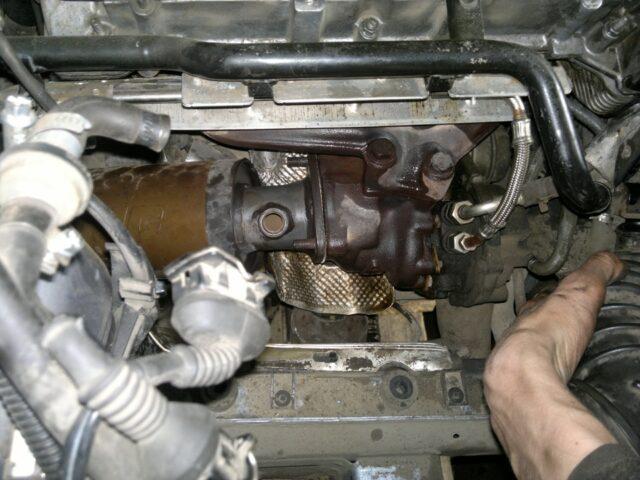Процесс снятия турбины с авто