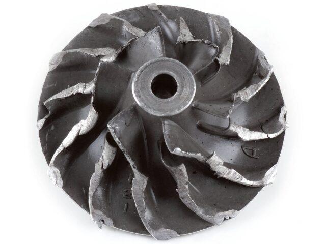 Загнутые лопости крыльчатки турбины